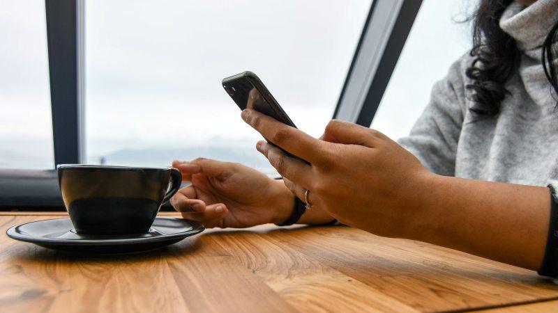 Инстаграм и Facebook добавили новые функции для поддержки локального бизнеса