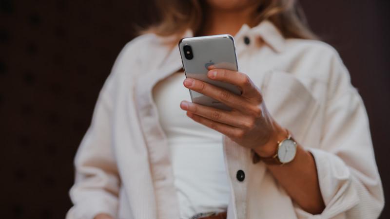 Четверть россиян продают смартфоны в соцсетях. Исследование
